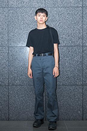 Tシャツ:ユニクロ パンツ:ディッキーズ 靴:エイティーズ 引用元:http://audition.mensnonno.jp/model-audition2017-final/2017/09/05/inoue/